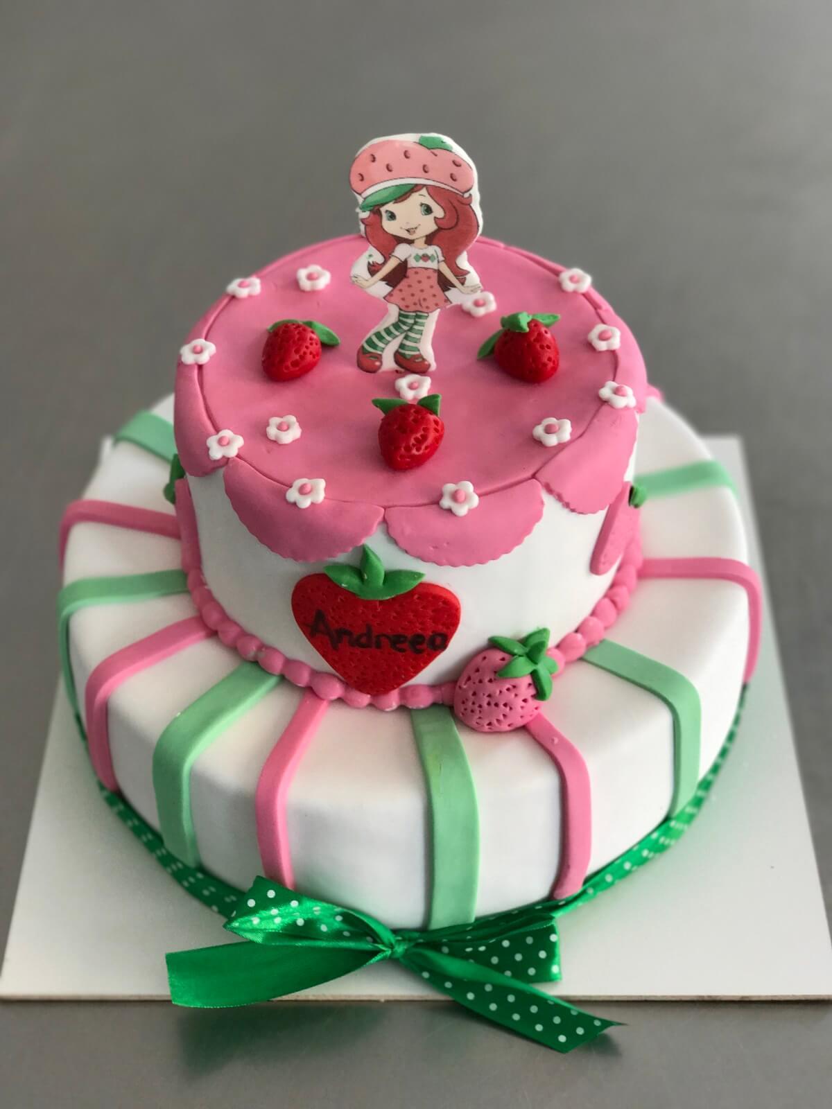 tort_fetițe_căpșunica_bdelicious_brasov_candybar_cupcakes_prajituri